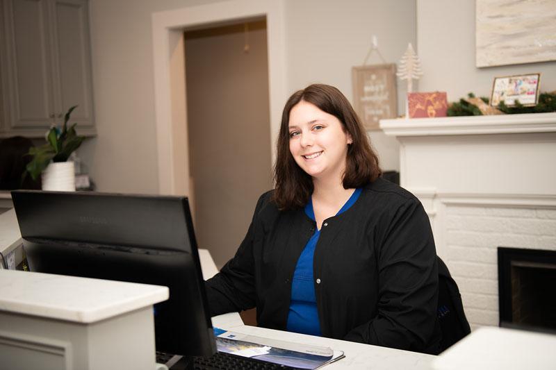 Jessica Chatagnier (Receptionist)